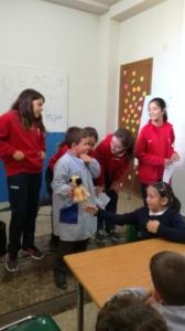 Inauguración de la Biblioteca de Paidos por los alumnos de Primaria