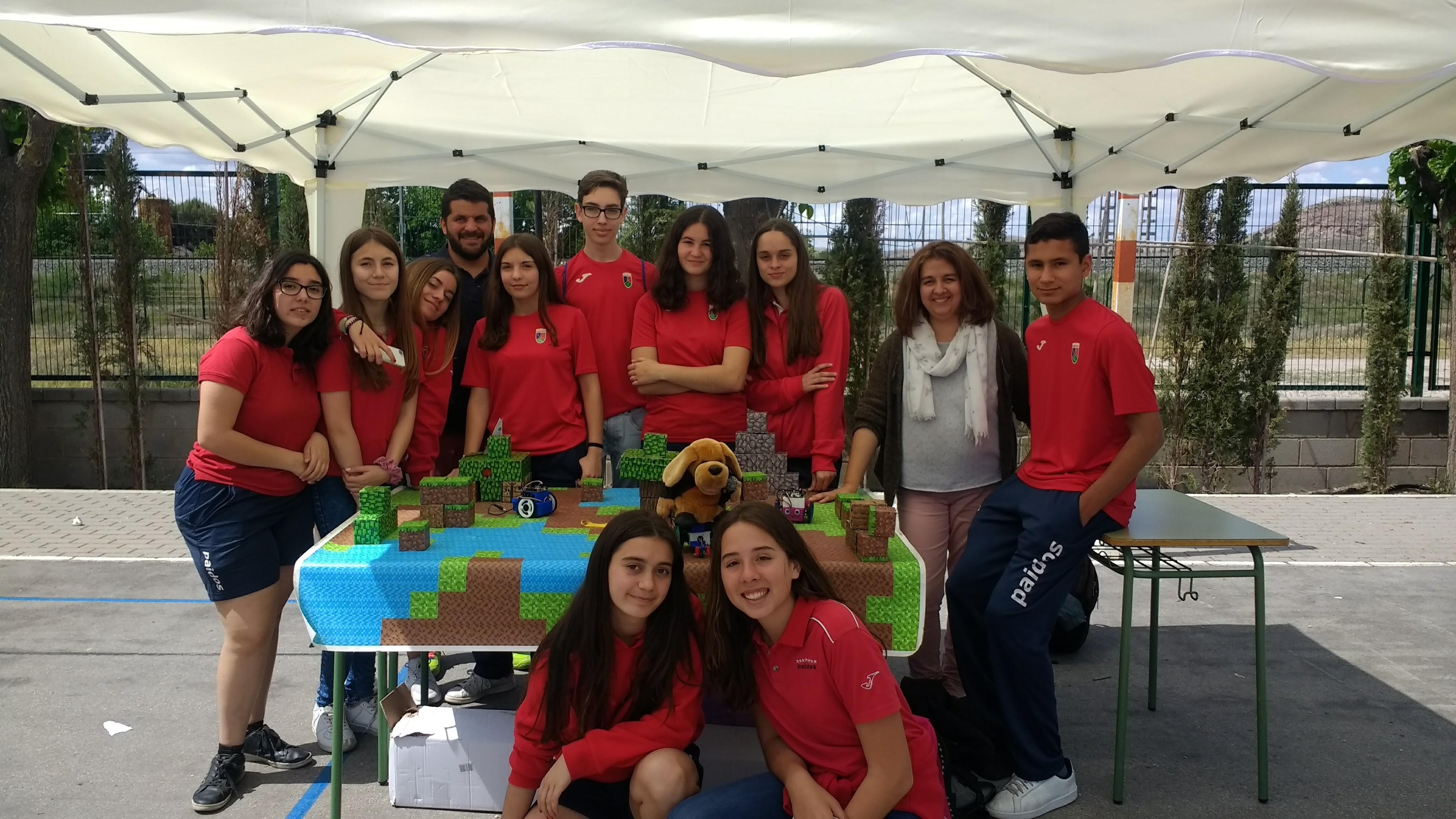 Premio concurso robótica en Villena colegio Paidos Denia