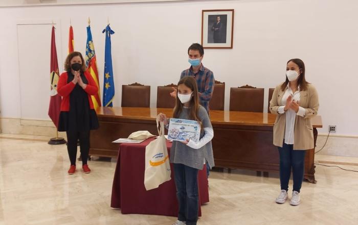 Premio concurso Aqualia para alumna de Paidos